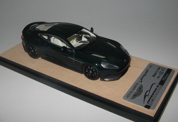 Модель 1:43 Aston Martin Vanquish - british racing green