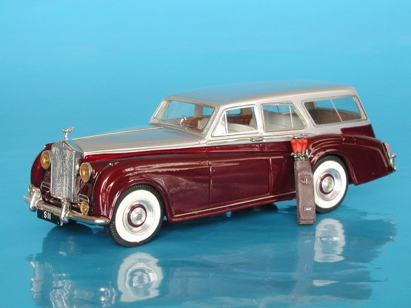 Модель 1:43 Rolls-Royce Silver Cloud II Radford Estate (L.E.№72 of 75pcs)