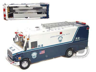 Модель 1:32 Freightliner MT-55 EMT Version Blue Police
