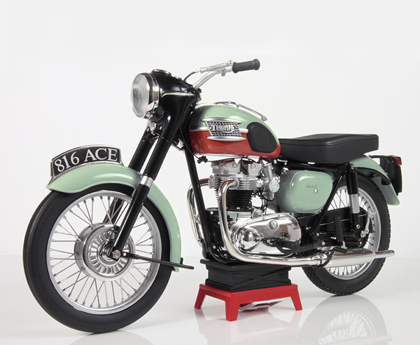 Модель 1:6 Triumph Bonneville T120r 'The Tangerine Dream' 1959