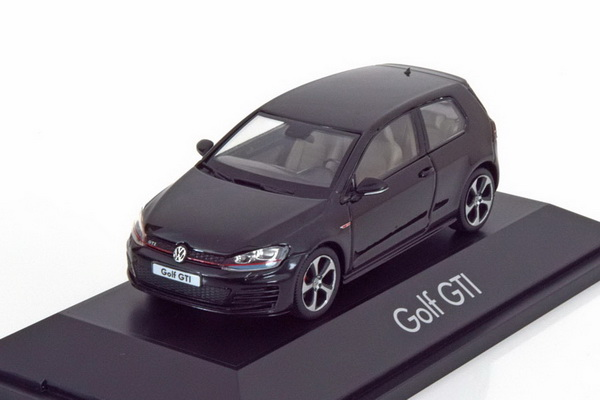 Модель 1:43 Volkswagen Golf VII GTi - black